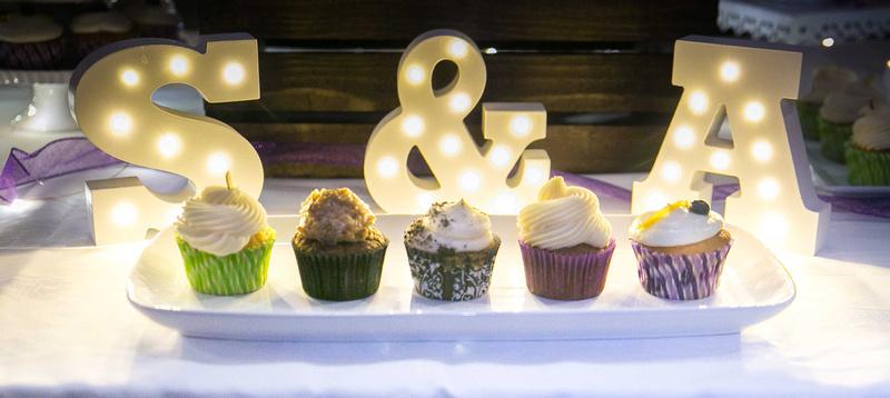 Minneapolis Wedding Photography   Munch Munch Cupcakes