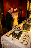 Cutting the Cake | Minneapolis Wedding Photography