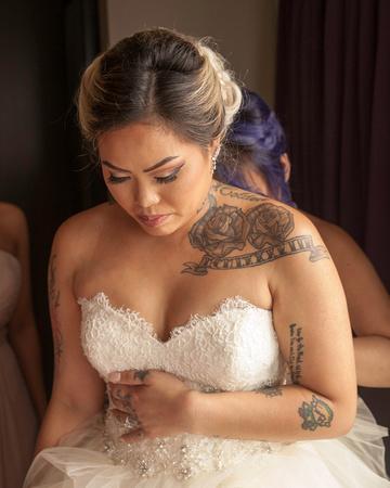 St. Paul Wedding Photographer   InterContinental Hotel   The Nervous Bride