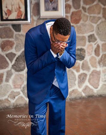Minnesota Wedding Photographer | Shoreview Community Center |A groom's reaction