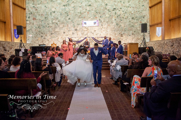 Minnesota Wedding Photographer | Shoreview Community Center | Jumping the Broom