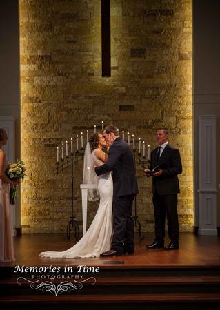The First Kiss   Grace Church   Minnesota Wedding Photographer
