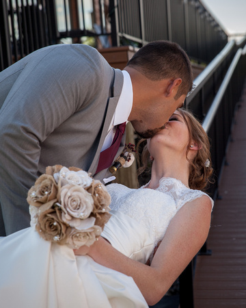 Horse and Hunt Club | Minneapolis Wedding Photography | A Romantic Kiss
