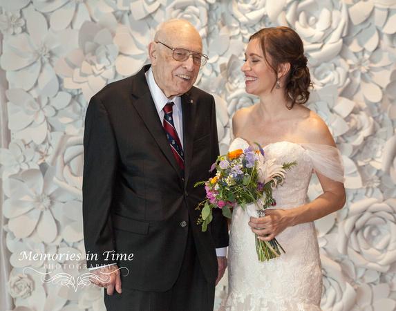 Minnesota Wedding Photographer | A Surly Brewing Company Wedding | Lake Harriet Floral