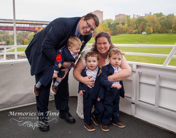 Minneapolis Wedding Photographer | Paradise Charter Cruises
