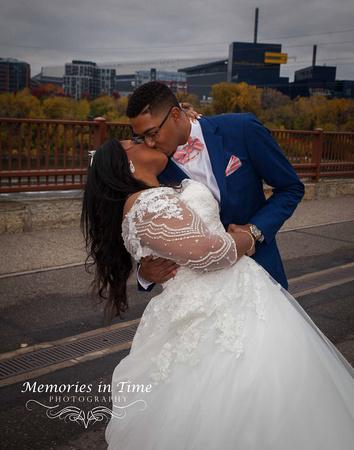 Minnesota Wedding Photographer | Shoreview Community Center | A romantic Kiss