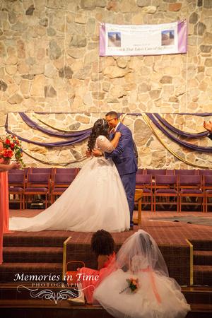 Minnesota Wedding Photographer | Shoreview Community Center | The First Kiss