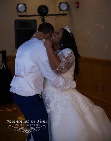 Minnesota Wedding Photographer | Shoreview Community Center | The First Dance