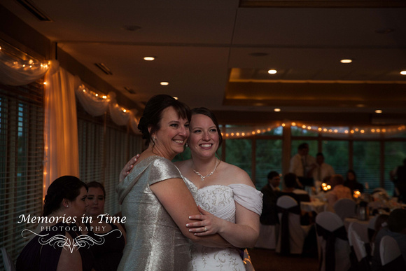 Minnesota Wedding Photographer | Crystal Lake Golf Club
