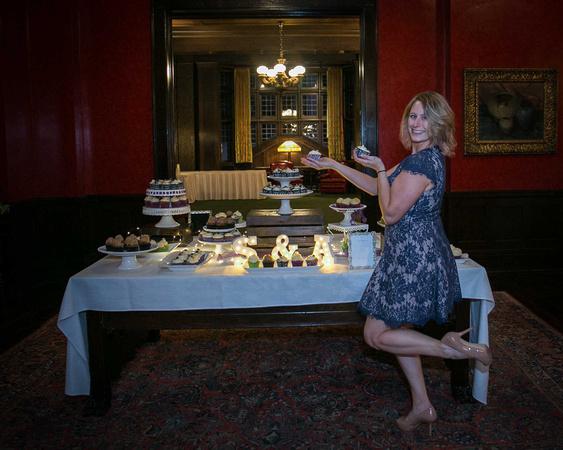 Minneapolis Wedding Photography | Munch Munch Cupcakes