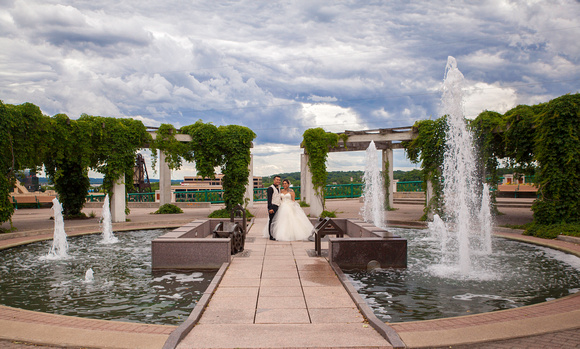 St. Paul Wedding Photographer | InterContinental Hotel | Fountains